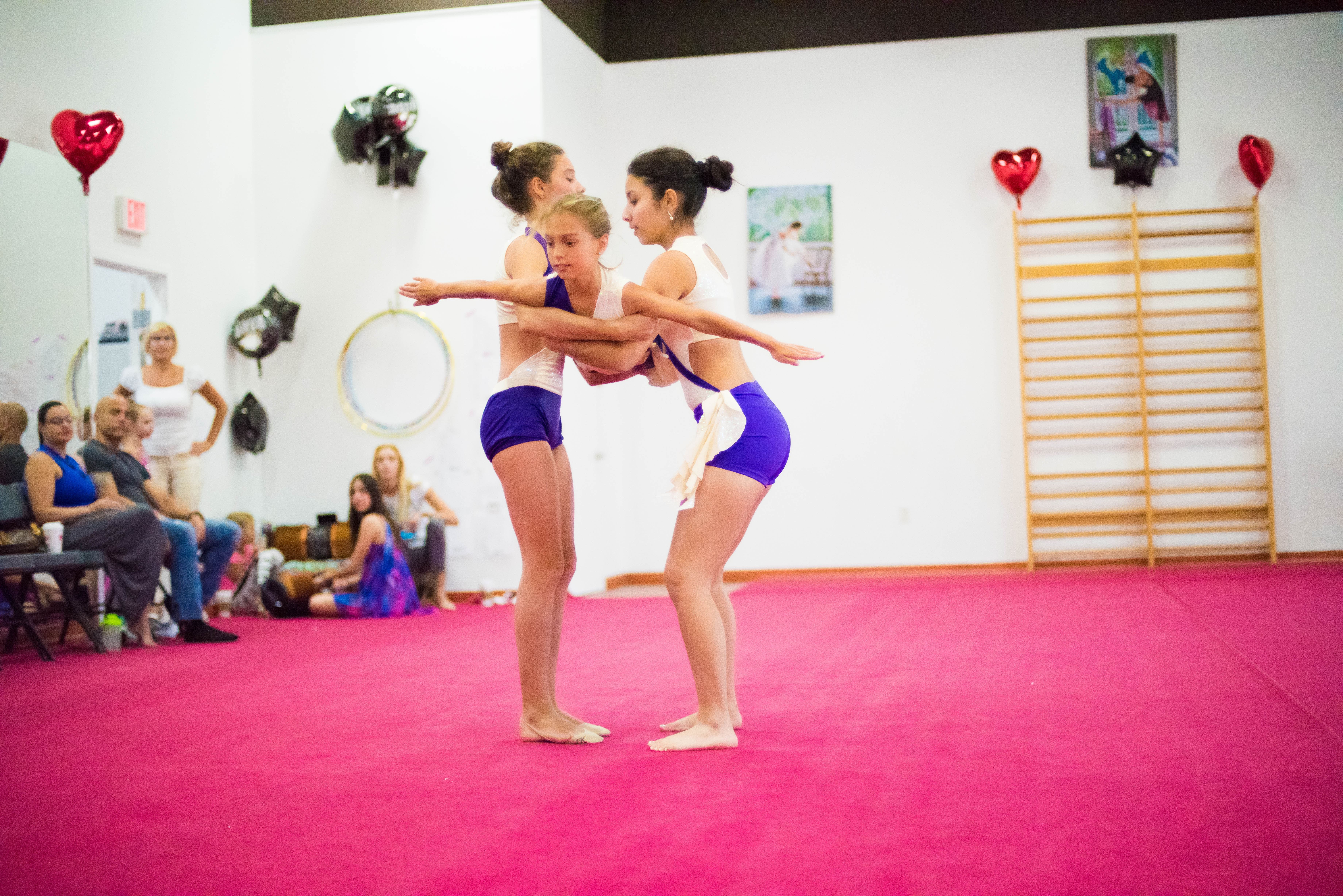 kids acrobatics Miami, acrobatics Miami, kids acrobatics classes, kids acrobatics, acro for kids, best acrobatics classes in Miami